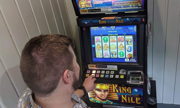 Federal members call for gambling reform despite disruption to major party revenue